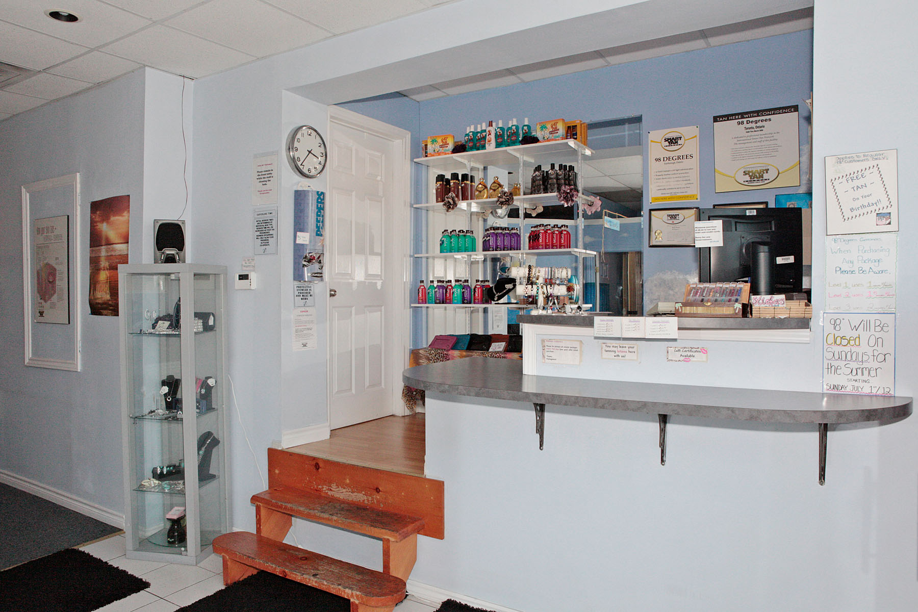 98 degrees tanning salon official virtual tour seevirtual for 98 degrees tanning salon scarborough