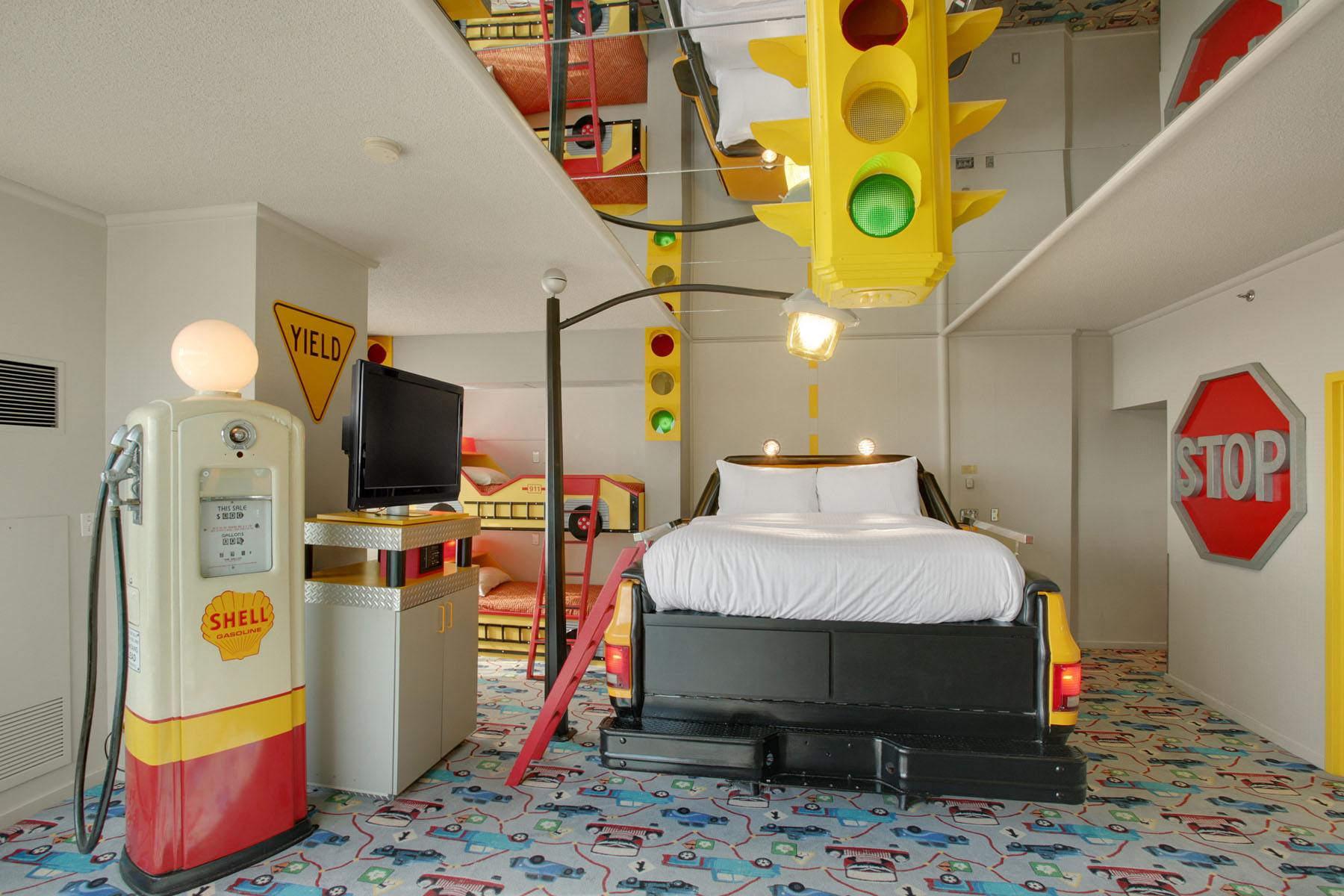 West Edmonton Mall Hotel Themed Rooms